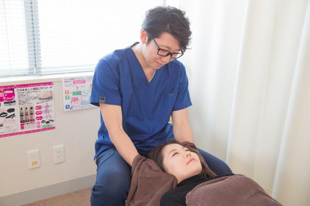 蕨整骨院の頭痛施術